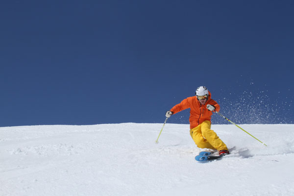 Ben Langridge telemark skiing