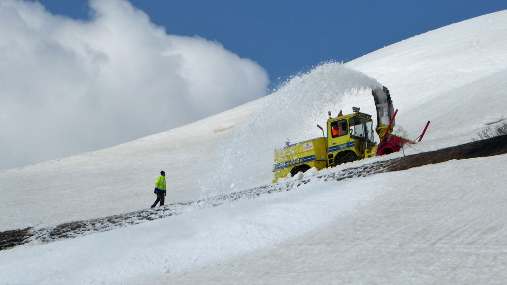 col du galibier snow clearing