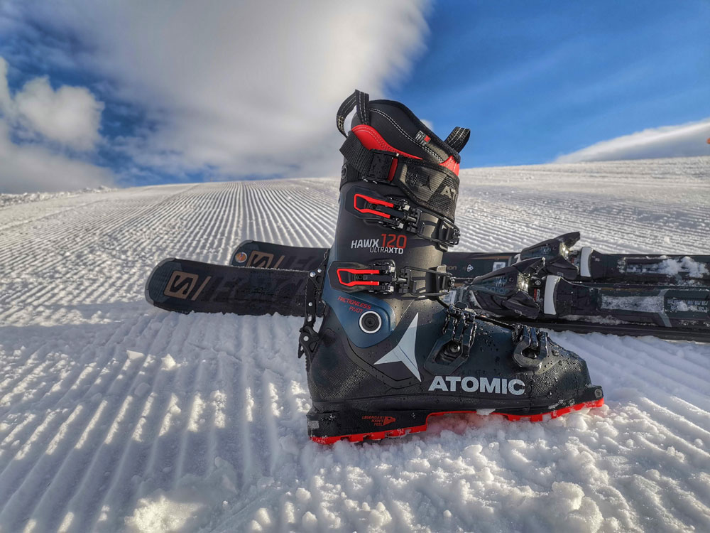 Atomic Hawx 120 Ultra XTD and Salomon S/FORCE ski